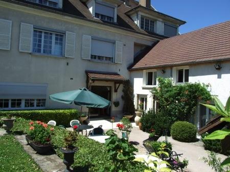 Hôtel La Bonbonnière Front